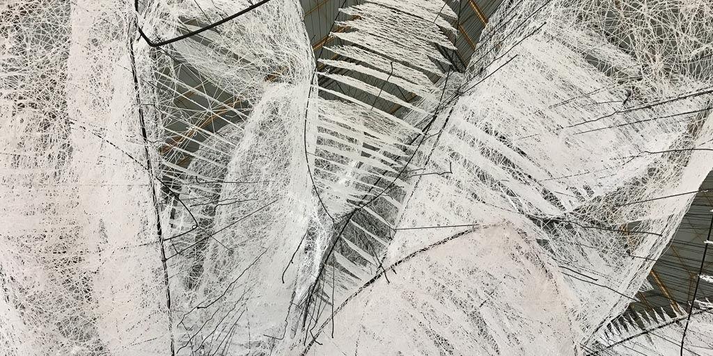 chiharu shiota, contemporary art, installation, galerie art, art, daniel templon, japon, artiste, plasticien, performance, memory, shiota, bon marche