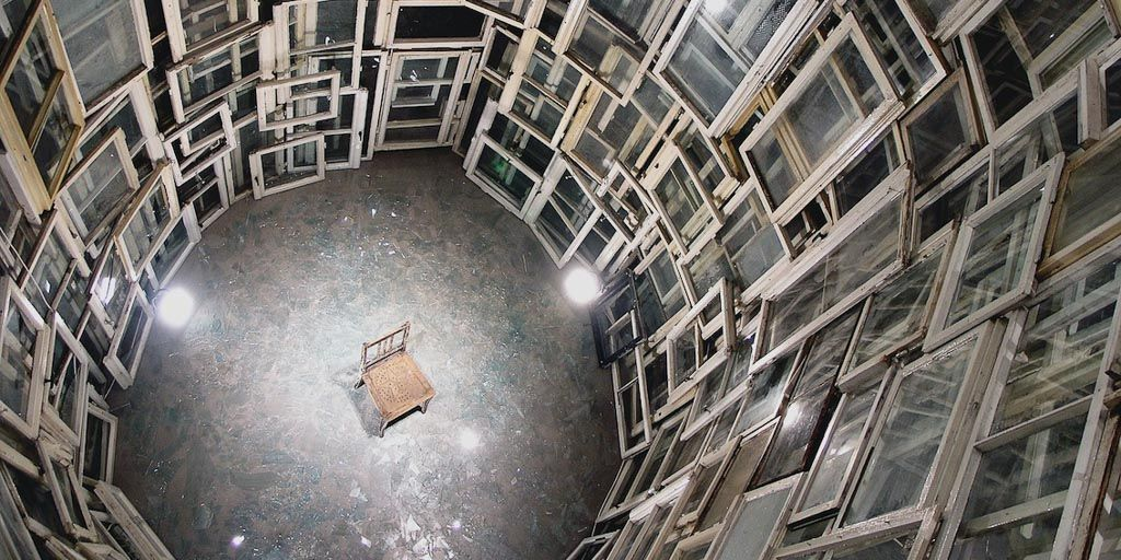 chiharu shiota, contemporary art, installation, galerie art, art, daniel templon, japon, artiste, plasticien, performance, memory, shiota, chair
