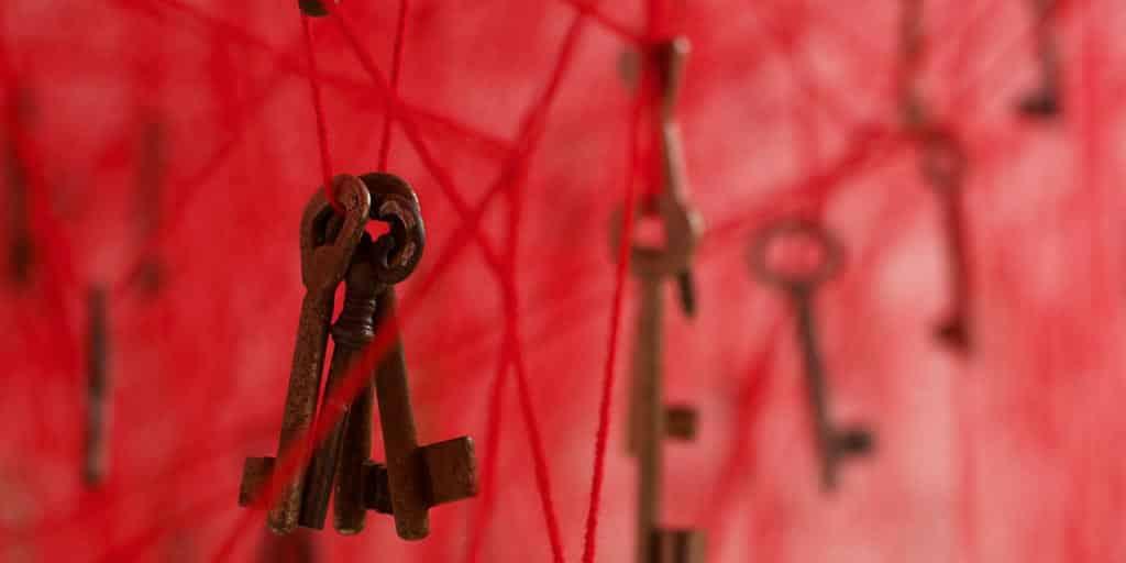 chiharu shiota, contemporary art, installation, galerie art, art, daniel templon, japon, artiste, plasticien, performance, memory, shiota, venice biennale, the key in the hand