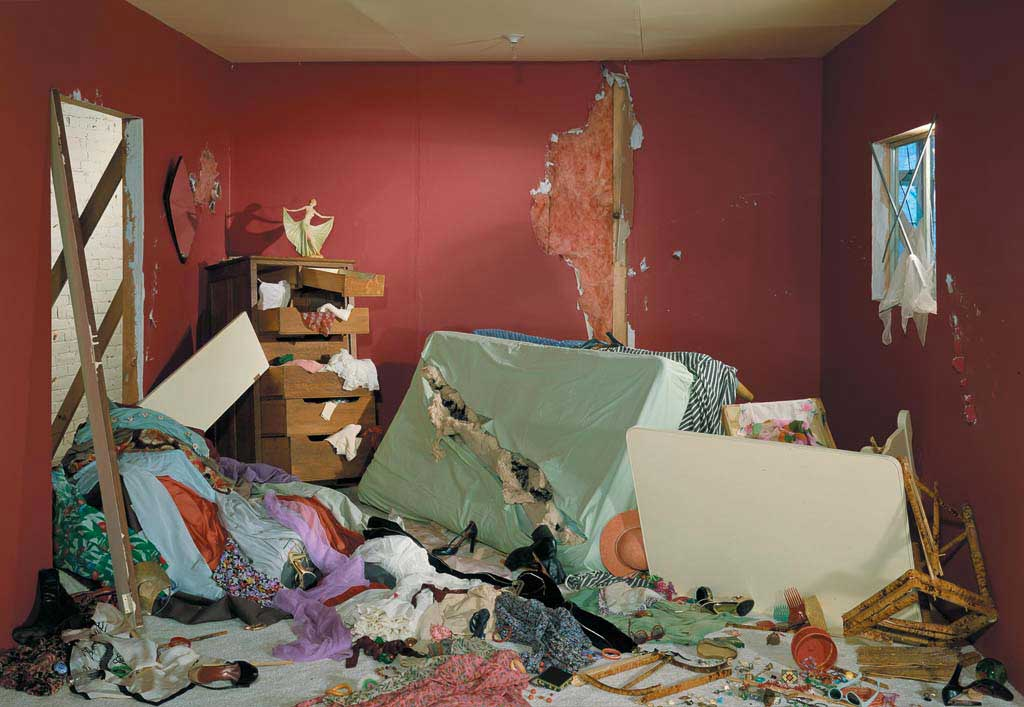jeff-wall-destroyed-room-photography