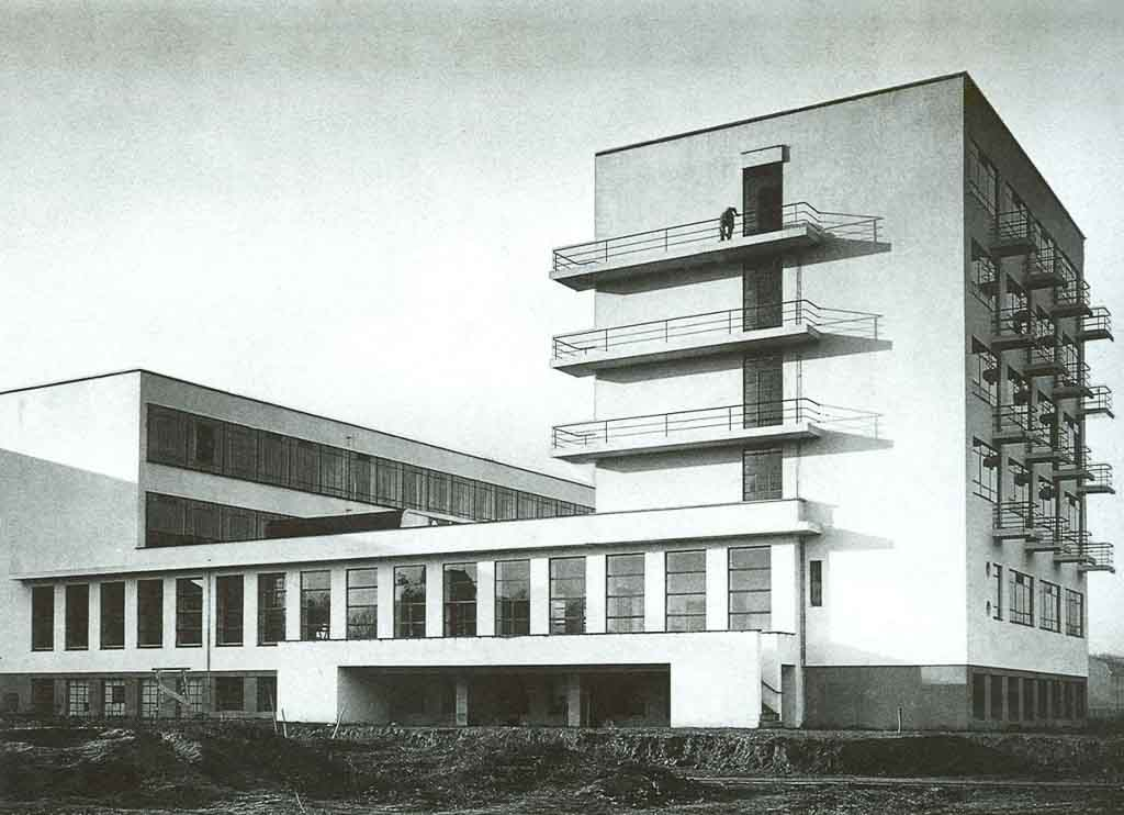 bauhaus_art-history_modern-art_art_school
