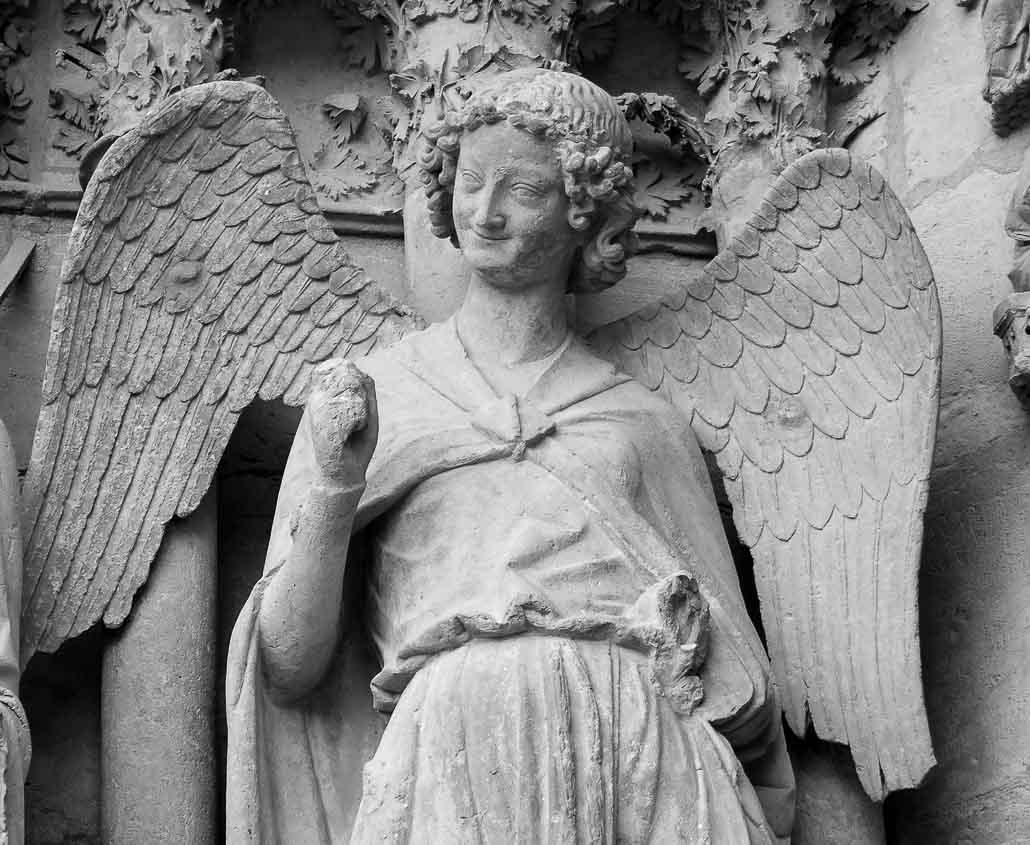 reims_sculpture_angel_medieval